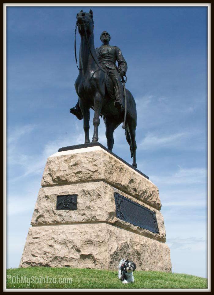 George Meade Statue in Gettysburg, Shih Tzu Travel